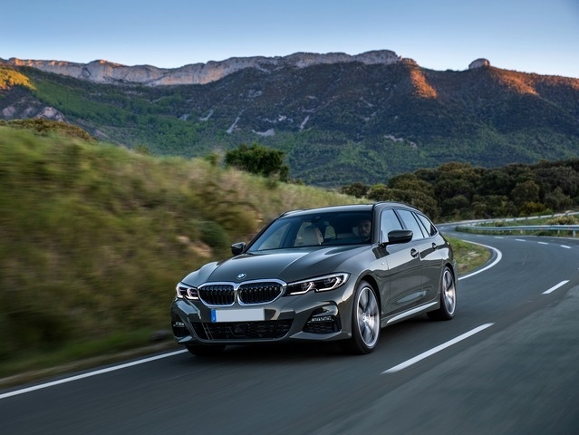nuova SERIE 3 - BMW N°1